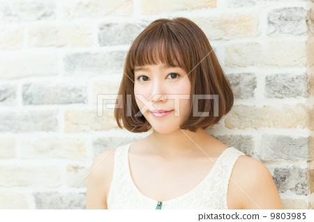 女人 短发 女性图片