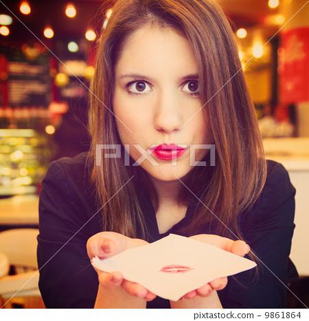 http://thumbs.dreamstime.com/z/woman-flirting-repairman-46285162.jpg_图库照片: woman is flirting