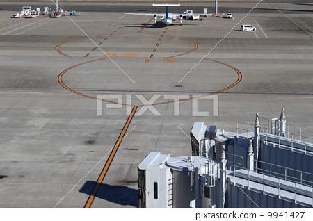 机场 跑道 飞机