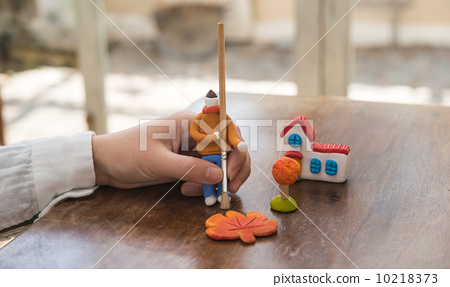 图库照片: 男人 男性 粘土工作