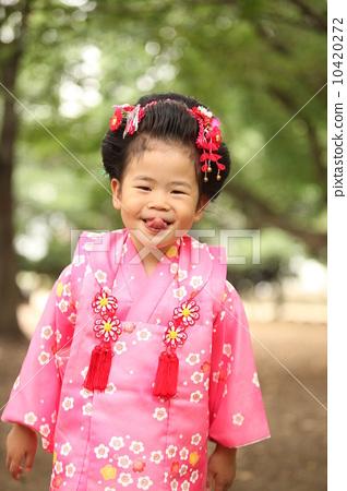 图库照片: 日式发型 和服 三岁