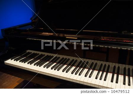 键盘弹钢琴手怎么放_钢琴 琶音怎么弹_弹吧电脑钢琴培练软件