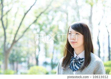 高中生 首页 照片 人物 女性 女孩 制服 校服 高中生  *pixta限定素材