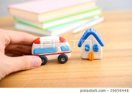 照片素材(图片): 粘土工作 用粘土做东西 房子