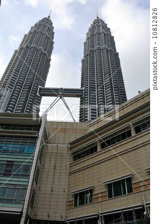 双子塔 顶尖 摩天大楼