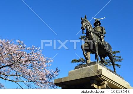 日期骑马雕像 掌托 樱花