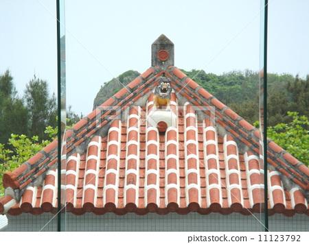 图库照片: 红屋瓦 石狮子 广岛和平纪念公园