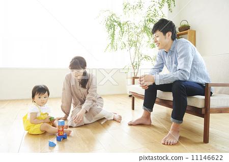 照片素材(图片): 妈妈 幼儿 家庭和谐