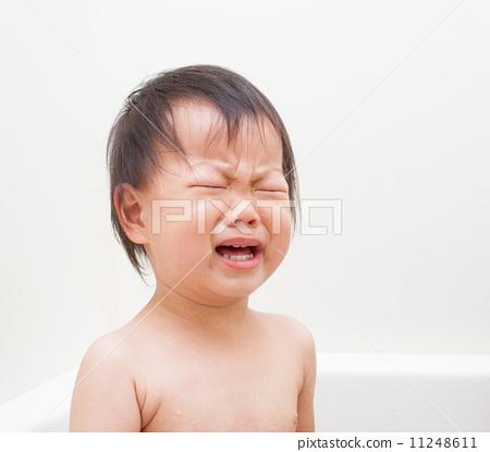 头像小孩可爱哭