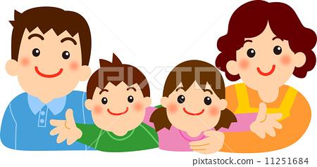 小女儿出生三口之家变四口之家