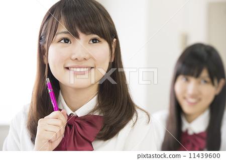 女孩 首页 照片 人物 学生 高中生 高中生 女生 女孩  *pixta限定素材