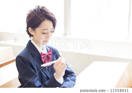 首页 照片 人物 学生 高中生 学习 高中女生 高中生  *pixta限定素材