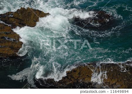 图库照片: 石狩湾 汹涌浪潮 波涛汹涌的海面