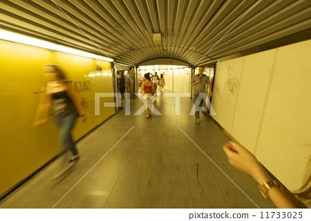 地下哹.#�b��h��il�bdzk`_地铁 地下铁路 巴塞罗那