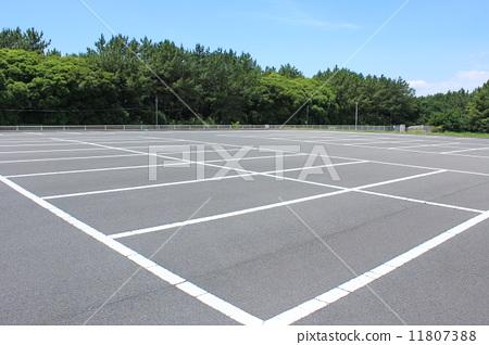 交通设施_建筑 停车场 停车场 停车位 深度  *pixta限定素材仅在pixta