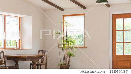 图库照片: 在窗户旁 窗边 房间