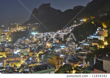 首页 照片 世界风景 美洲大陆 巴西 巴西里约热内卢法沃拉大满贯街