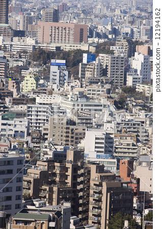照片素材(图片): 一排房子 每扇门 东京