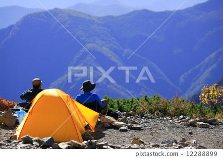 照片素材(图片): 登山者 风景 景观