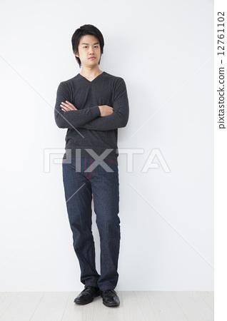 照片 姿势_表情_动作 构图 全身 双臂交叉 人 人物  *pixta限定素材仅