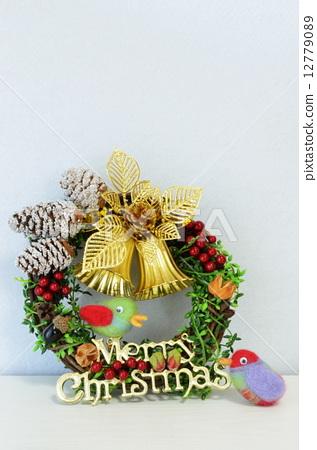 图库照片: 圣诞花环 小鸟 可爱