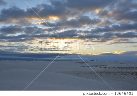 日出 照片 白沙 首页 照片 天空 日出 日出 白沙  *pixta限定素材仅在