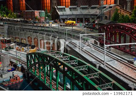 图库照片: 透视画 铁路 围栏