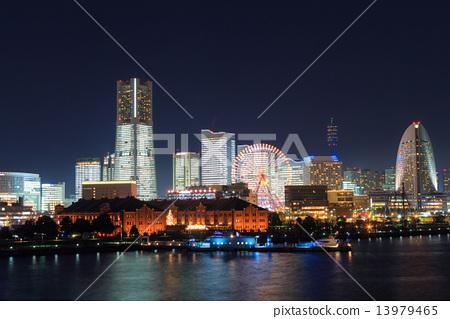 图库照片: 横滨港未来的晚上风景