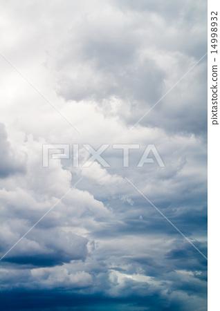 阴天 首页 照片 天空 天气 多云 多云 天空 阴天  *pixta限定素材仅在