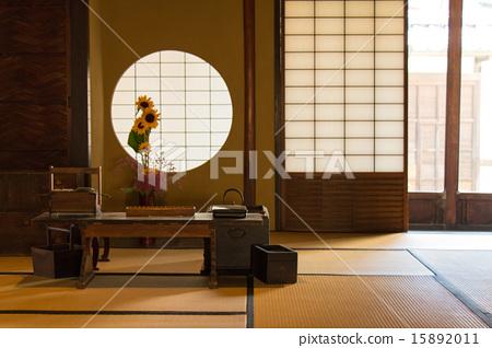 住宅_室内装饰 房间 日式房间 日式房间 和室 圆窗  *pixta限定素材仅