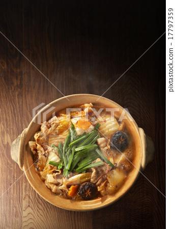 照片素材(图片): 泡菜火锅 俯拍 topshoot