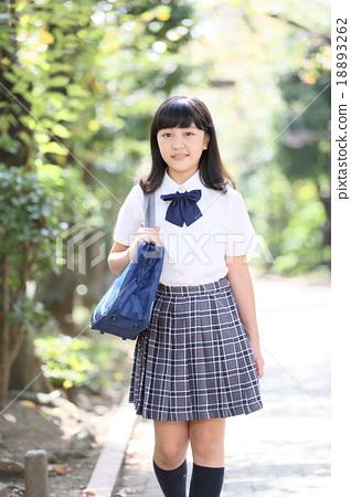 首页 照片 人物 学生 高中生 高中生 高中女生 微笑  *pixta限定素材