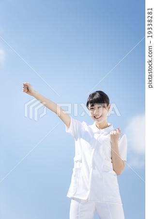 照片 姿势_表情_动作 姿势 握拳 护士 女生 女孩  *pixta限定素材仅在