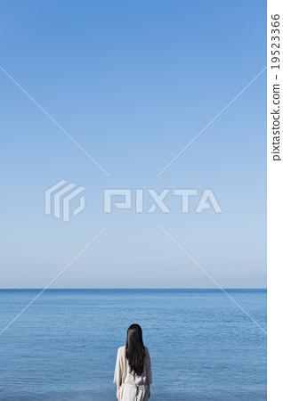 姿势_表情_动作 构图 背影 照片 海洋 海 蓝色的水 首页 照片 姿势