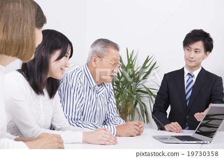首页 照片 商务_工作 商务场景 谈判 商务谈判形象  *pixta限定素材仅