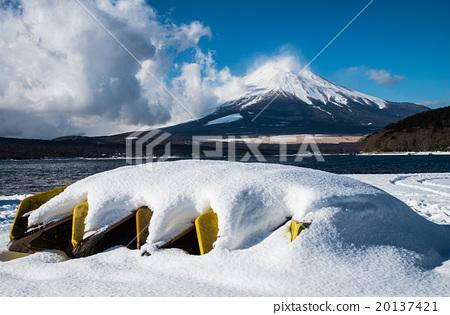 首页 照片 风景_自然 季节 冬 山中湖 富士山 积雪  *pixta限定素材仅