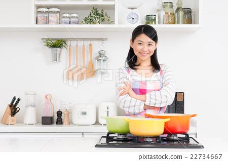 首页 照片 人物 女性 主妇 家庭主妇(厨房)  *pixta限定素材仅在pixta