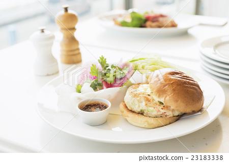 首页 照片 生活方式_生活 餐 午餐 午餐 汉堡 面包  *pixta限定素材仅