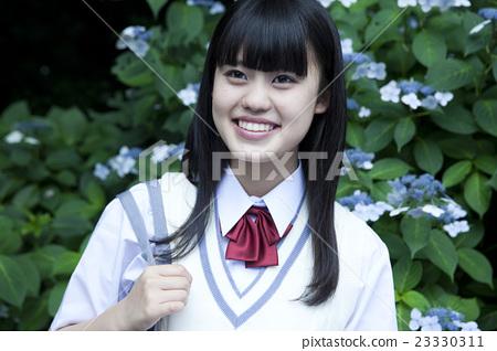高中生 首页 照片 人物 女性 女孩 人物 肖像 高中生  *pixta限定素材