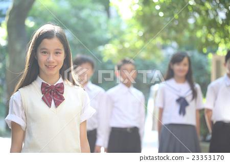 校服 首页 照片 人物 女性 女孩 初中生 中学生 校服  *pixta限定素材