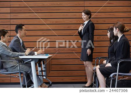 照片 商务_工作 商务场景 面试 面试者 女生 女孩  *pixta限定素材仅