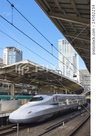 东京熟癹n��.�_图库照片: 东京站东海道新干线n 700系列