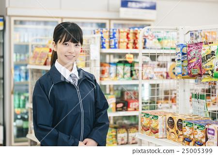 销售人员_客户服务 店员 便利店 店员 售货员  *pixta限定素材仅在
