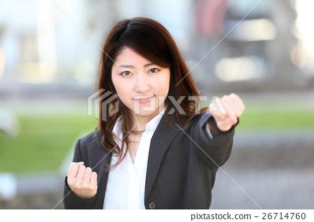 照片 女商人 首页 照片 人物 男女 情侣/夫妻 女商人  *pixta限定素材