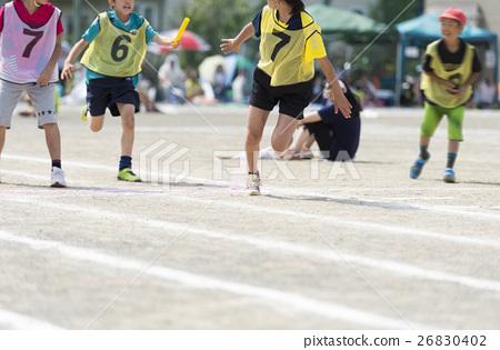 首页 照片 人物 学生 小学生 接力赛 接力棒 运动日  *pixta限定素材