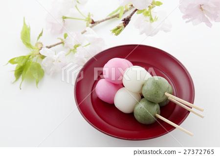 三色丸子_图库照片: 三色饺子 丸子 团子