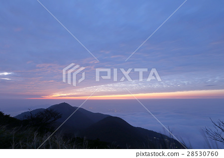图库照片: 云海 火烧云