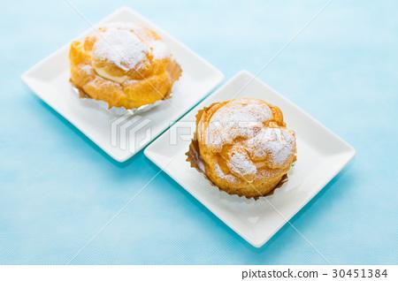 图库照片: 奶油泡芙 糕点 西式甜点图片