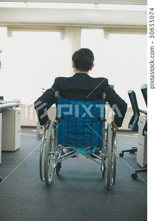 残疾人 轮椅 男性 首页 照片 姿势_表情_动作 构图 背影 残疾人 轮椅