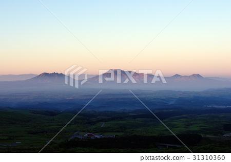 图库照片: 阿苏五岳 黎明 风景